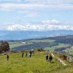 El Cincho con los Picos de Europa al fondo
