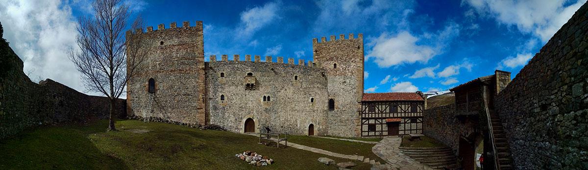 Patio de armas del Castillo de Argüeso