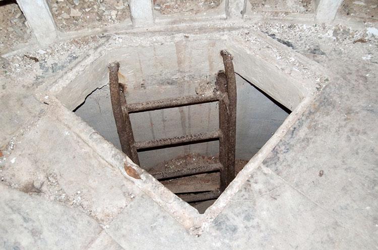 cripta pirámide de los italianos