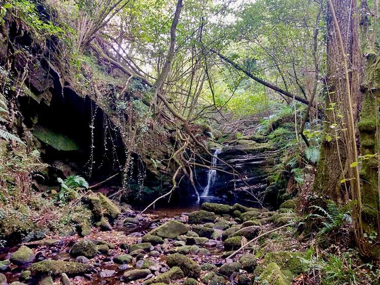 Cascada en la canal de las Tejeras