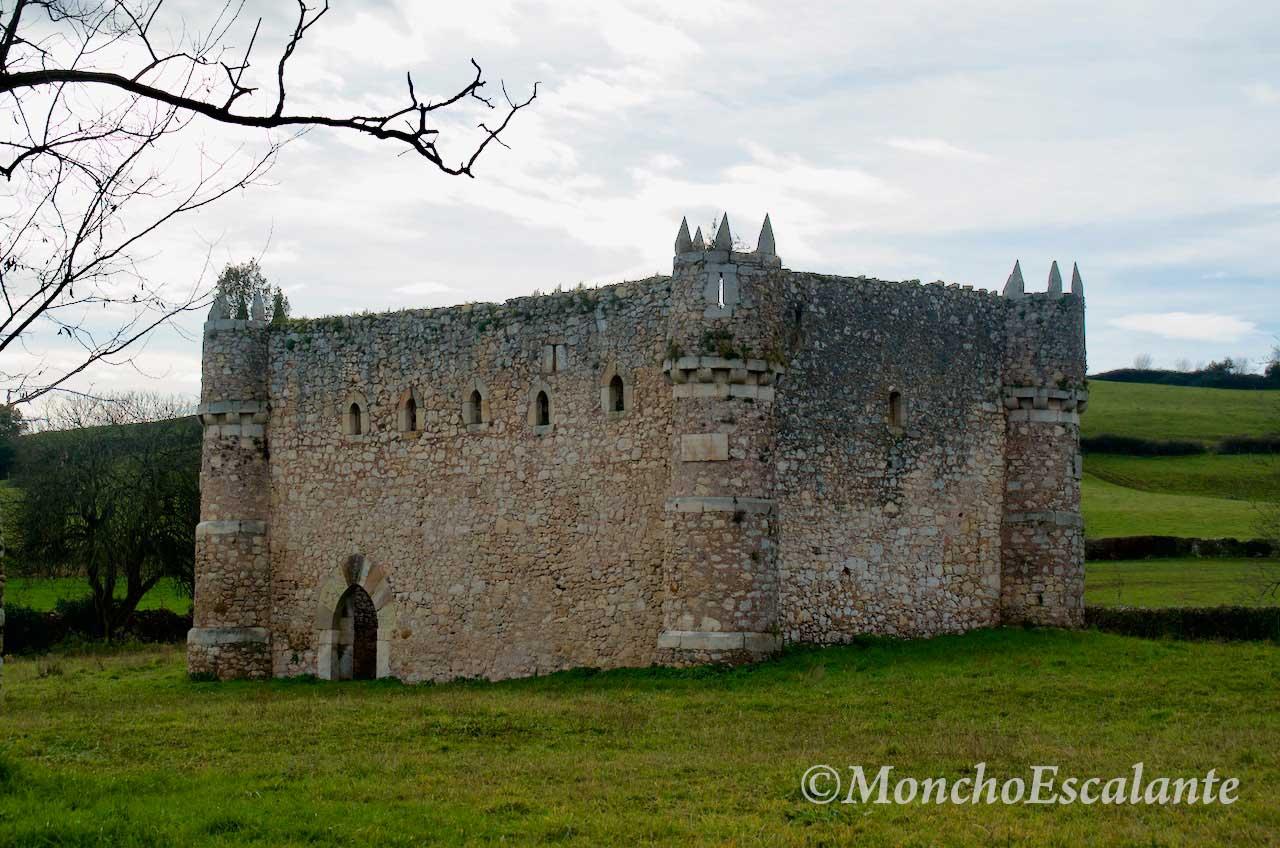 fachada Castillo de Agüero